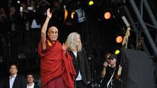 Далай Лама на Гластънбъри