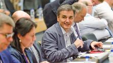 гръцкият финансов министър евклидис цакалотос на заседание на еврогрупата