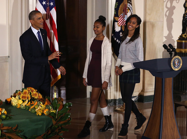 Барак Обама с дъщерите си Саша и Малиа