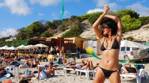Момиче на плажа