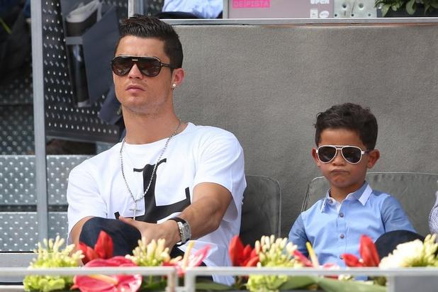 Кристиано Роналдо със сина си