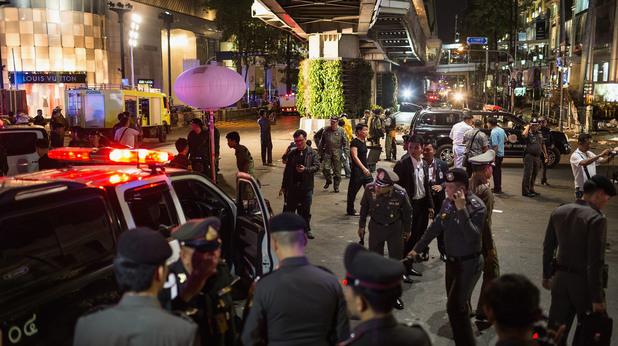 Експлозия с жертви в центъра на Банкок