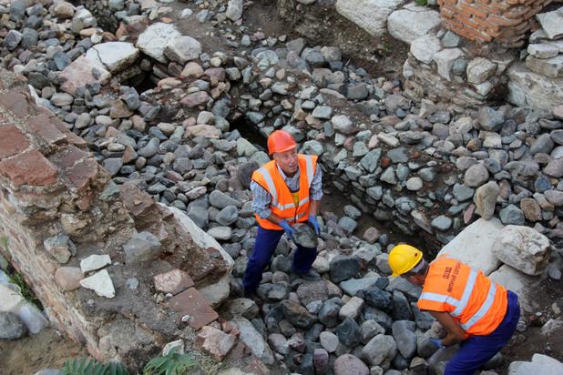 разкопките при ларгото