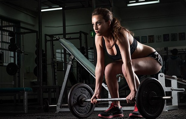 упражнения, тренировка, жени, мъртва тяга