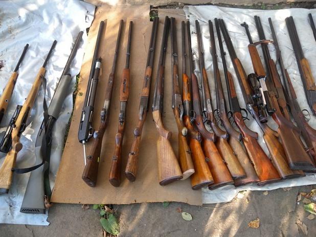 конфискувано оръжие