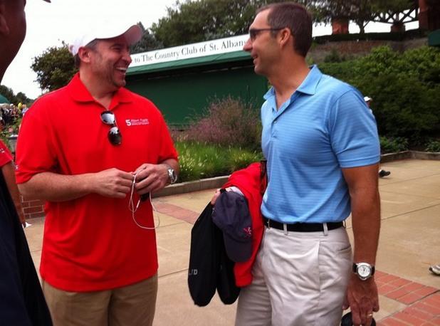 Дан Лозано (вляво) – бейзбол