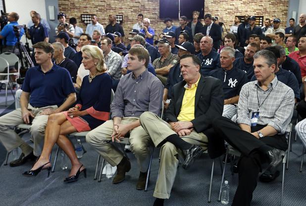 Кейси Клоуз (вдясно) – бейзбол