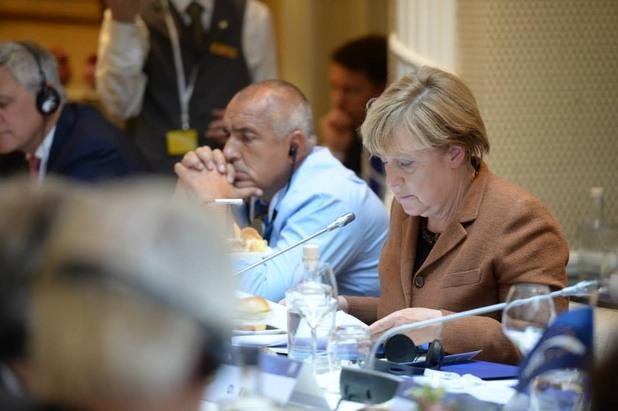 бойко борисов и ангела меркел преди срещата на европейския съвет