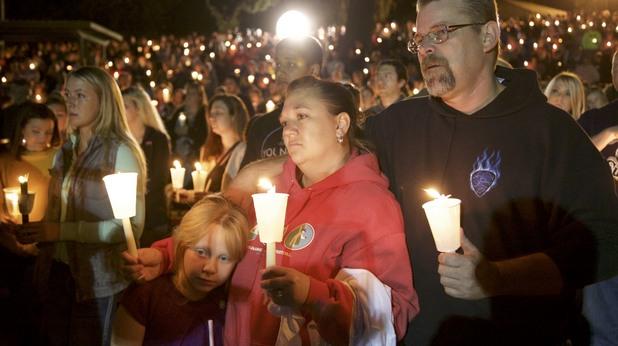 бдение след масовата стрелба в роузбърг, орегон