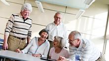 пенсионери, пенсионер, възрастни хора, стари хора
