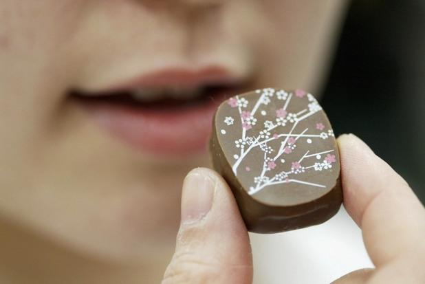 шоколад, шоколадов бонбон, хранене, уста