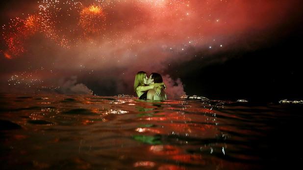 Двийка в морето на Нова Година