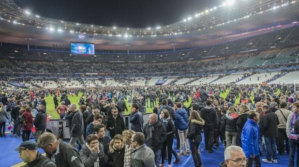 атентатите в париж, стад дьо франс