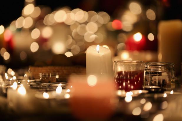 Почит към жертвите в Париж