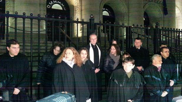 протест на съдиите пред съдебната палата