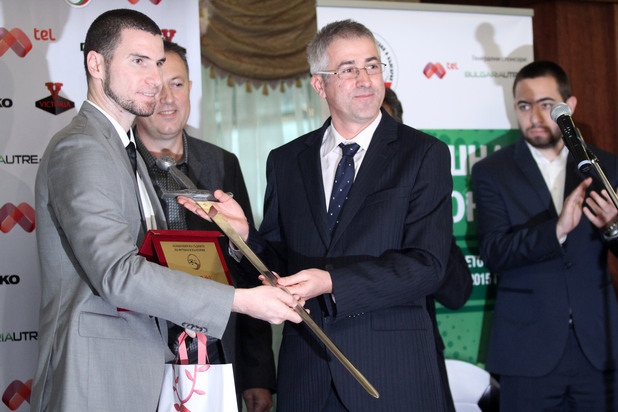 Георги Кабаков е съдия на 2015 година.