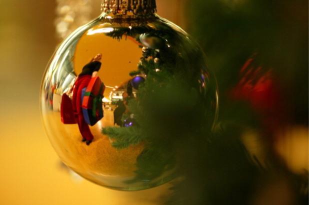 Коледа, Коледни подаръци