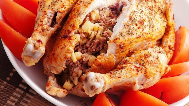 пиле с кайма и картофи