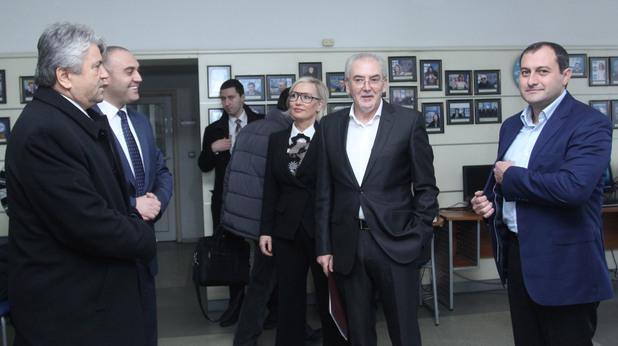 Лютви Местан дава първата си пресконференция след напускането на председателския пост в ДПС - 7 януари 2015