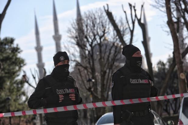 полиция на площад султанахмет