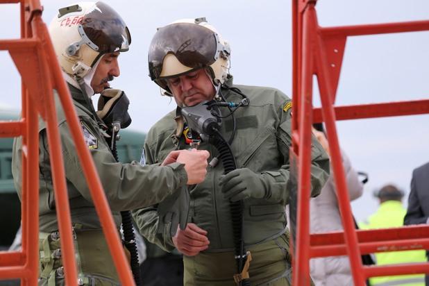 николай ненчев, министър на отбраната