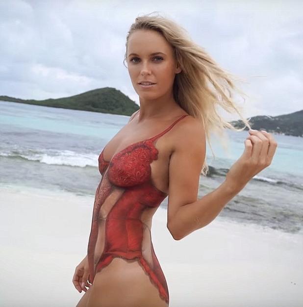 si,swimsuit,swim suit 2016,каролине возняцки