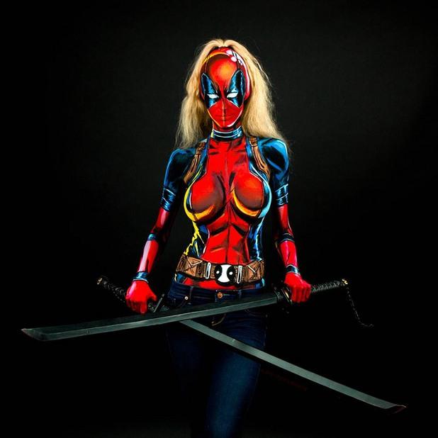 жената супергерой