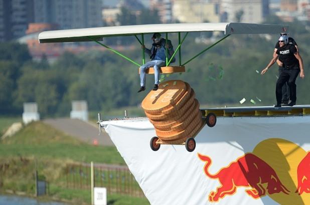 Red Bull Flugtag, ред бул, летящи глупости