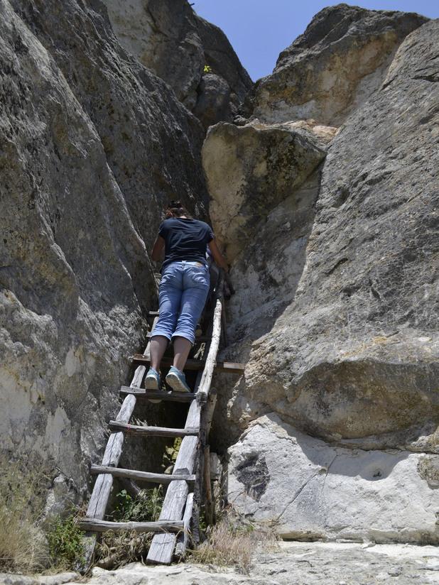 Пещера Утробата 6