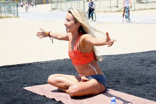 тренировка, упражнения, аеробика, здраво тяло, плаж, пясък, жена