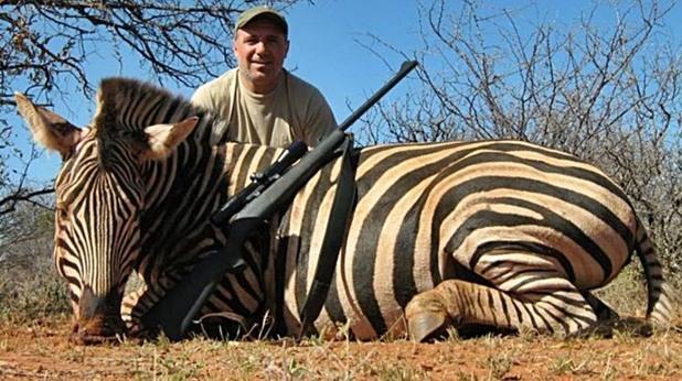 Христо Стоичков на лов за жираф и зебра