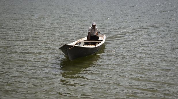 С лодка до най-непристъпната крепост в Родопите