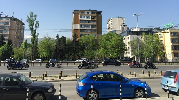 Мотористи пътуват към протеста си пред Народното събрание