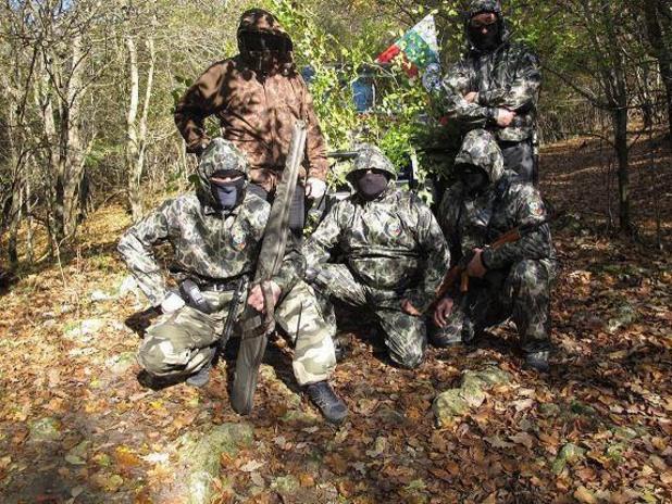 """въоръжени членове на """"Комитет за национално спасение"""""""