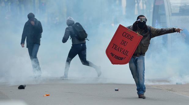 Протести в Париж