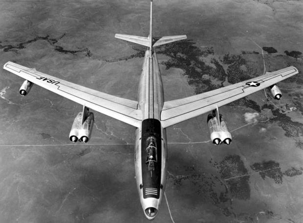 стратегически бомбардировач B-47E