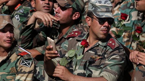сирийски военни на концерта в палмира