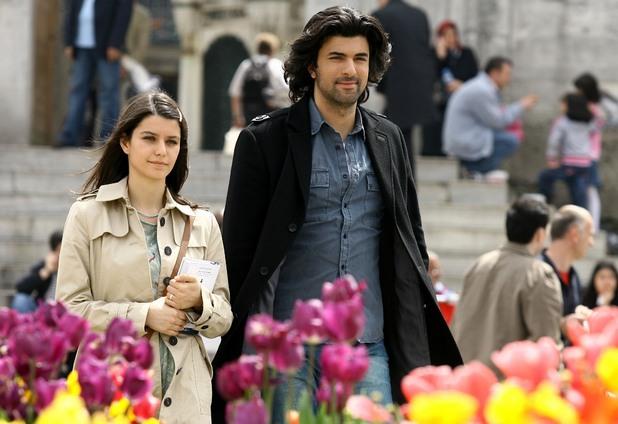 Турски сериали, Пепел от рози
