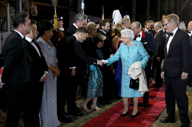 Кралица Елизабет II отпразнува 90 години с пищно шоу