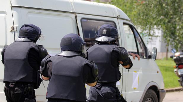 Демонстрация на тактически действия на служители от СДВР при масови безредици