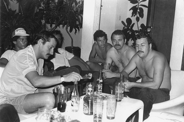 Джон Хайро Веласкез с Пабло Ескобар и компания