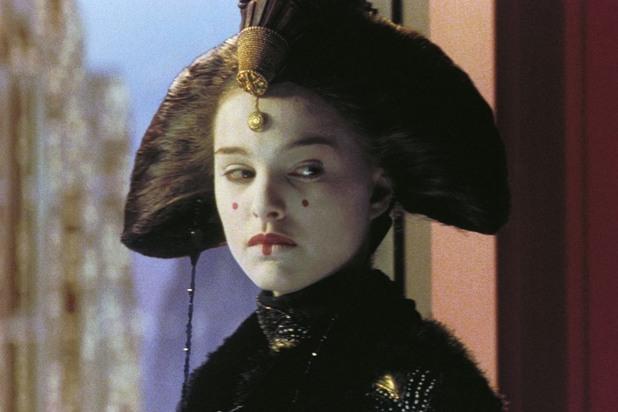 Натали Портман като Принцеса Падме Амидала в Междузвездни Войни: Епизод 1 - Невидима Заплаха