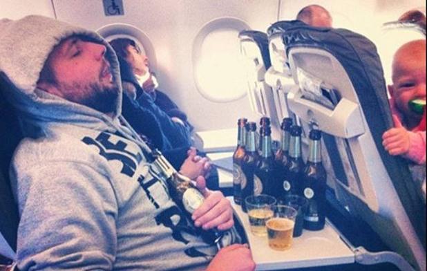 Пиян в самолета