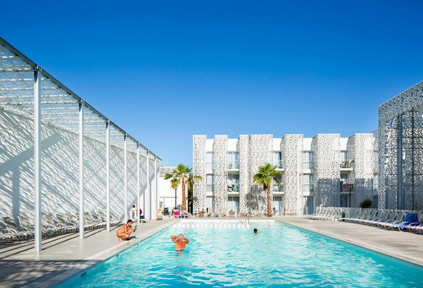 nakara_4_residential_hotel_by_jacques_ferrier_architecture