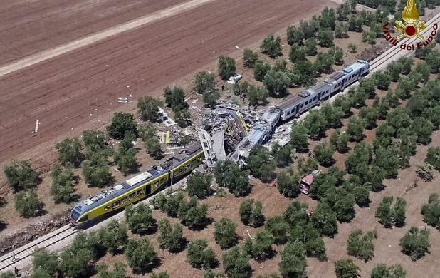челна катастрофа на влакове в италия