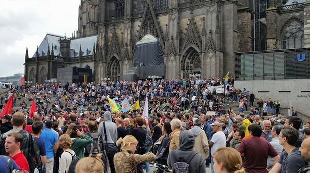 Кьолн - антинацистка демонстрация