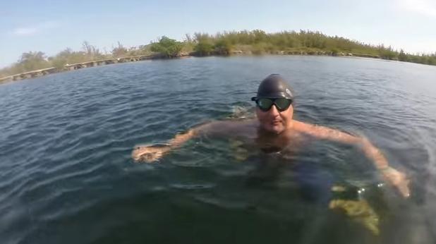 бен хупър, плуване