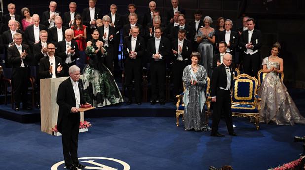 финландецът Бенгт Холмстрьом за икономика