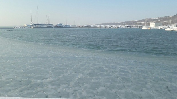 Замръзнало море