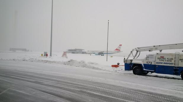 Летище София - забавяния заради снега